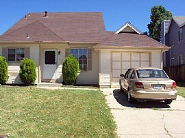cute 2 story 3 bedroom home with loft in broomfield