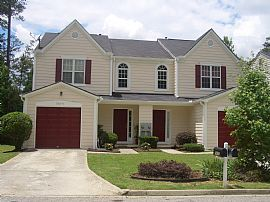 nice 3 bedroom townhome in college park area
